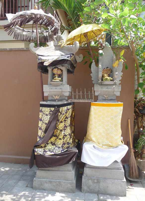 12.shrines at villa