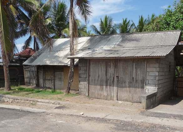 3.villa neighbours