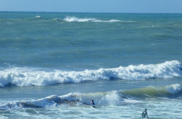 6.surfers