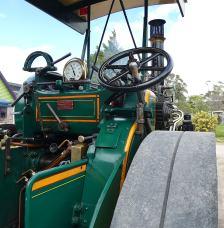15.McLaren steam tractor