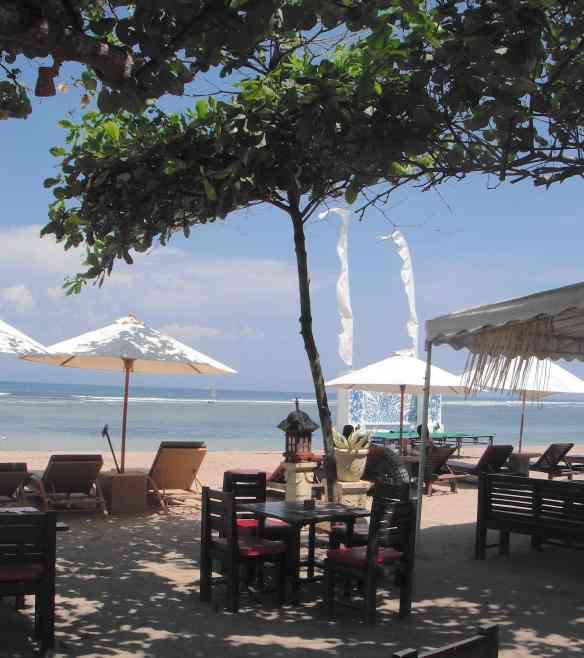 2.Sanur Beach