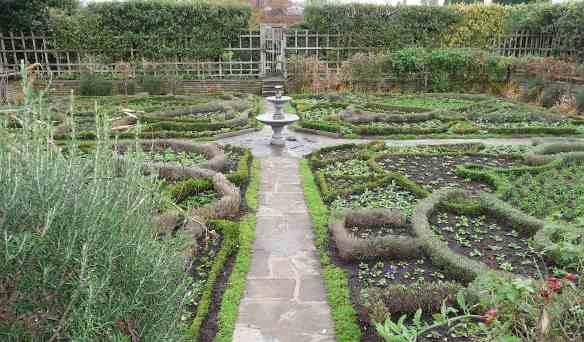 16.Nash's House knot garden