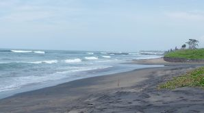 12.Batu Bolong Beach