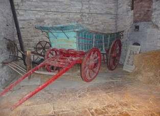9.Tudor hay wagon