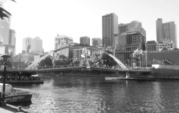 5.Southbank Pedestrian Bridge
