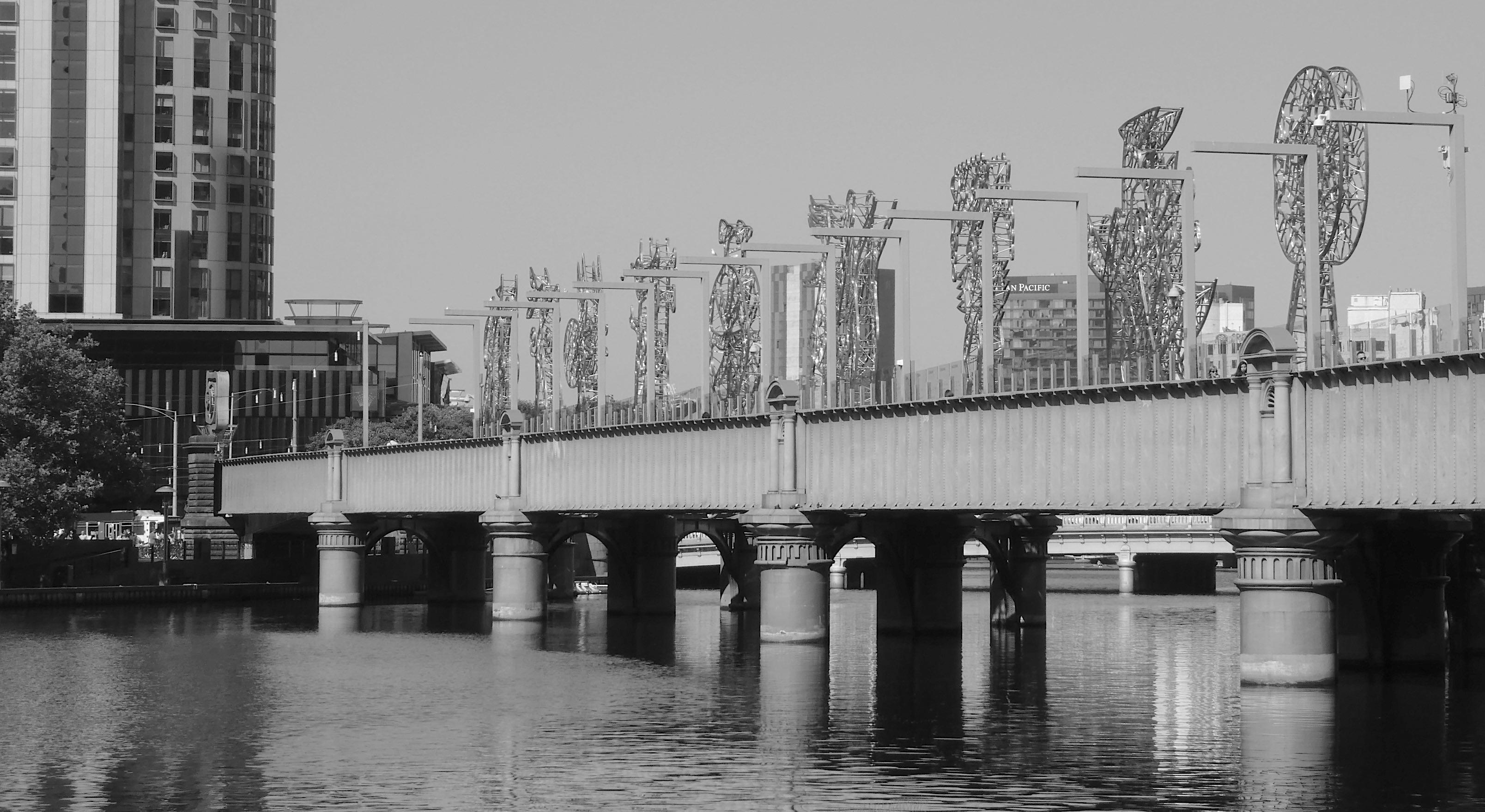 8.Sandridge Bridge sculptures