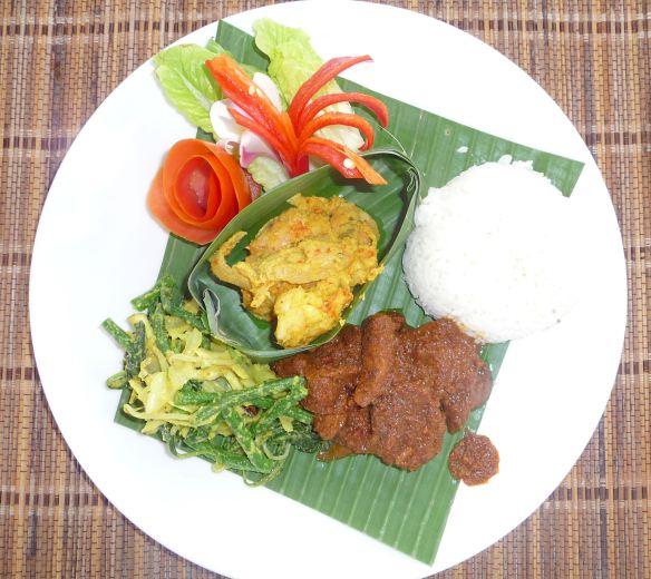 12.rendang sapi, pepes udang jamur & urab sayur