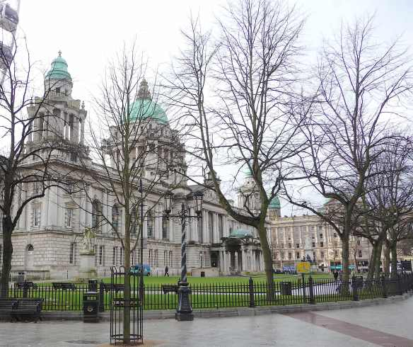 4.Belfast City Hall