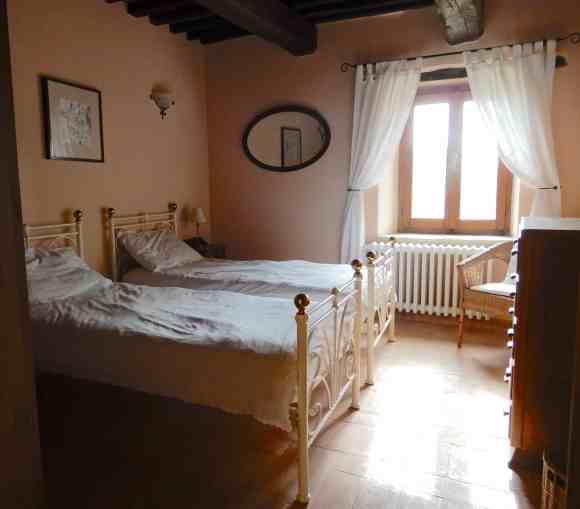 15.bedroom2