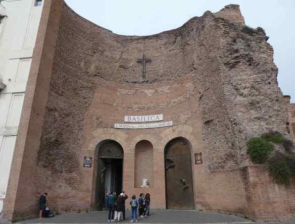 2.facade