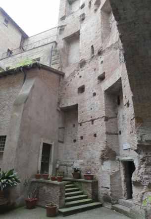 28.courtyard