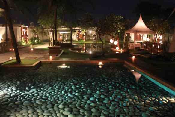 8.resort grounds