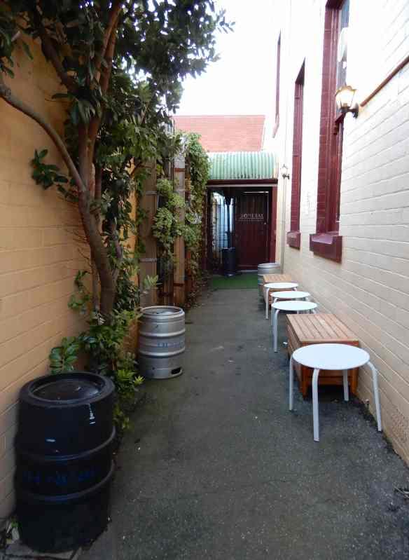 2.courtyard