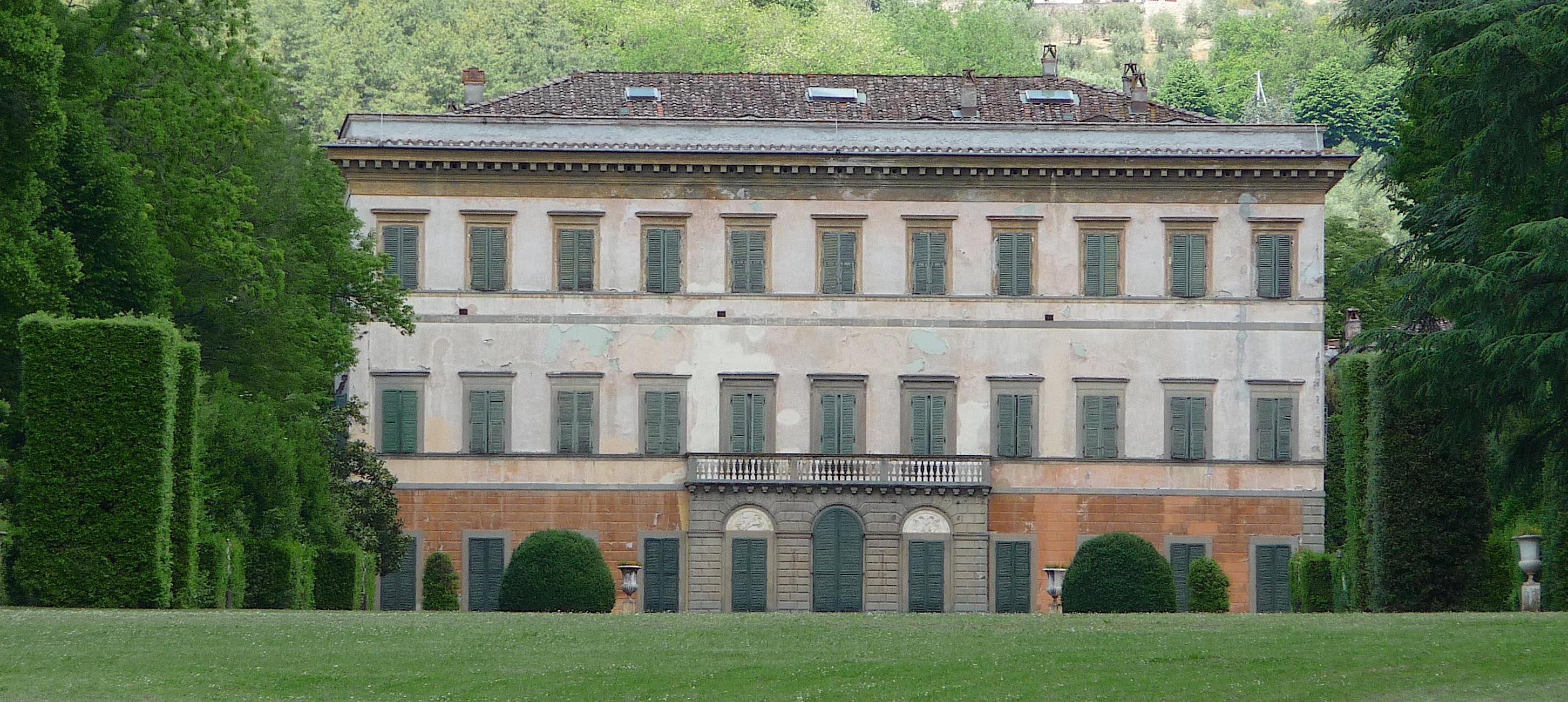 3.Villa Reale