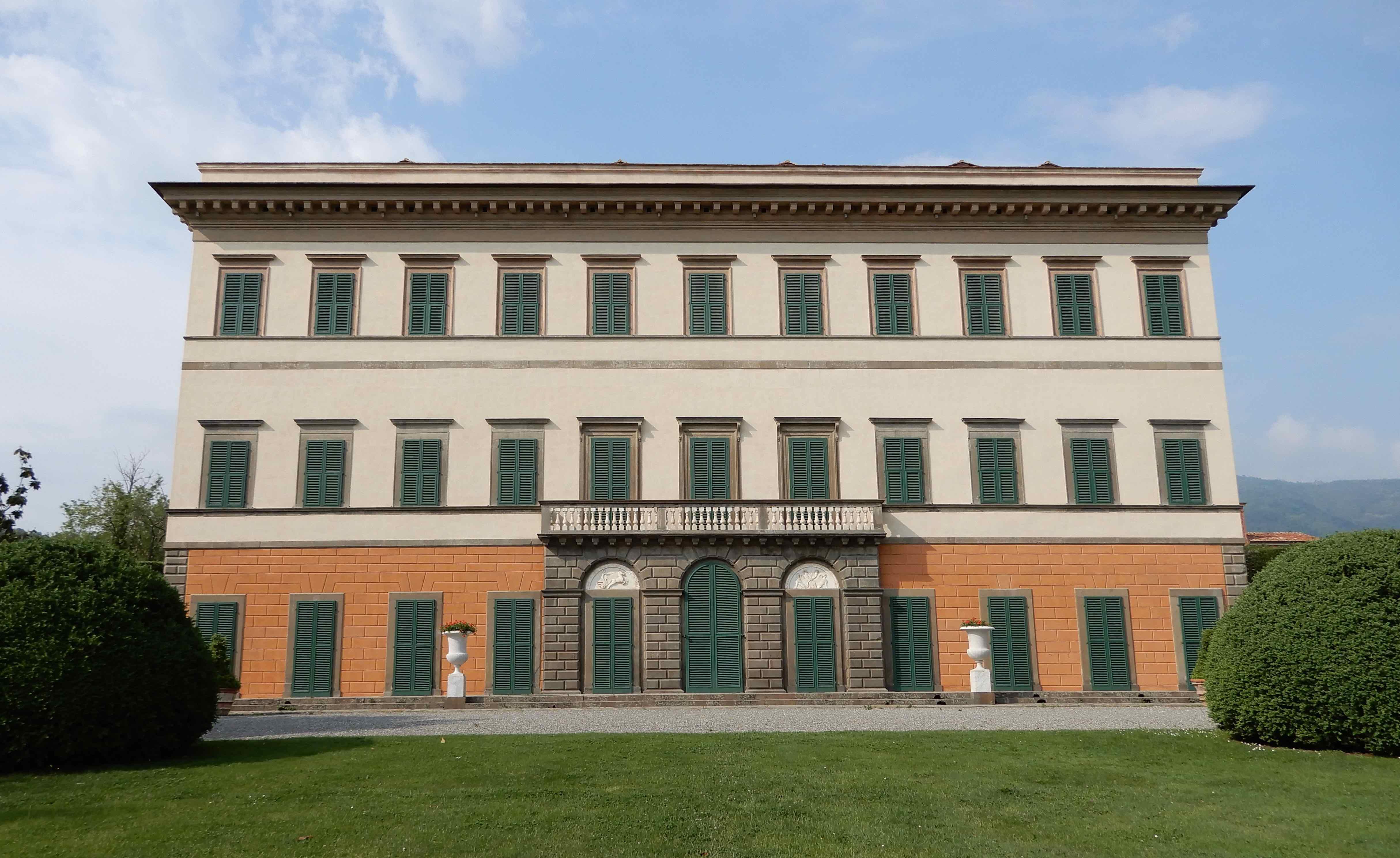 4.Villa Reale