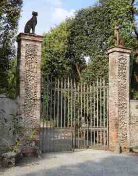 42.gate