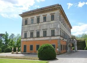 5.Villa Reale