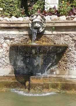 65.Teatro d' Acqua