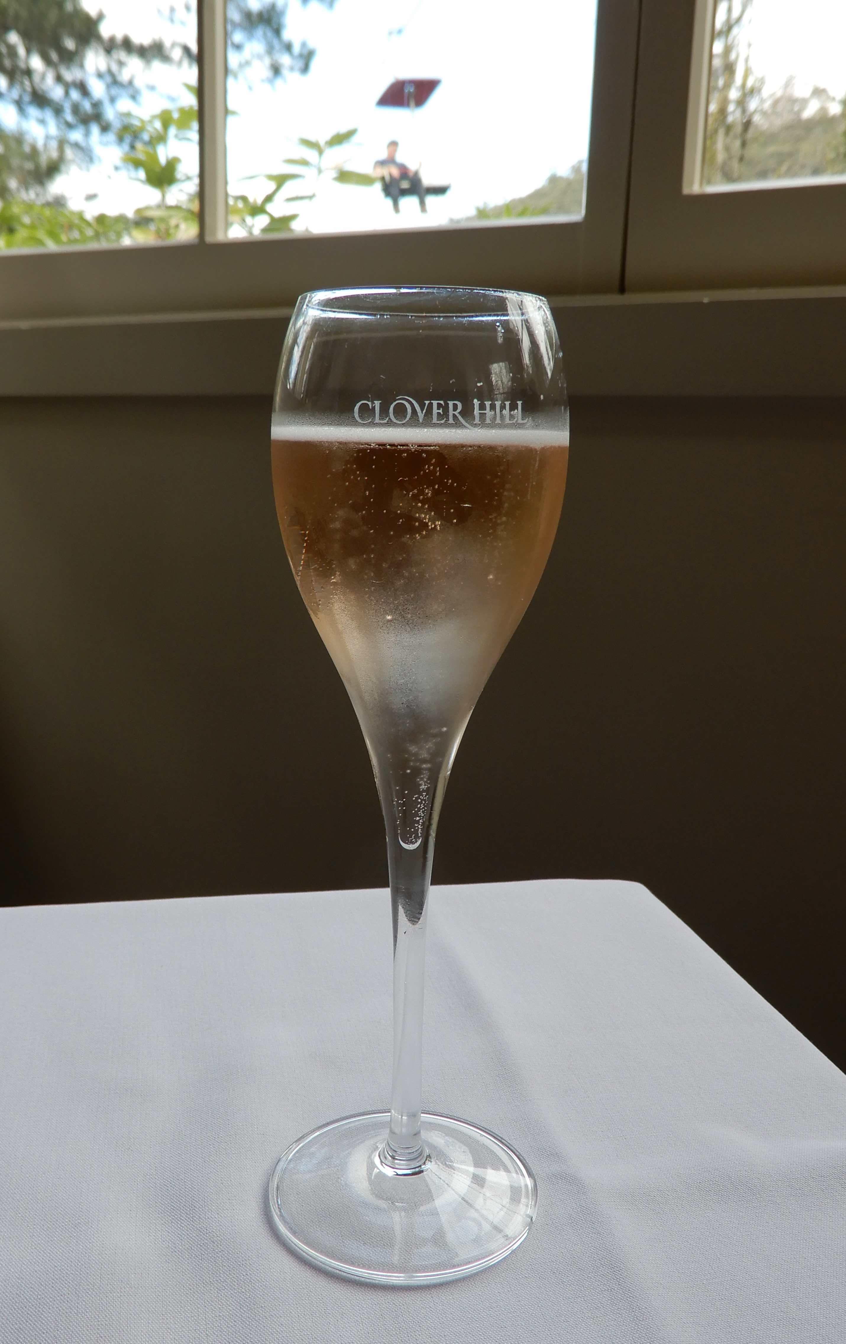 8.Clover Hill Non Vintage Rosè