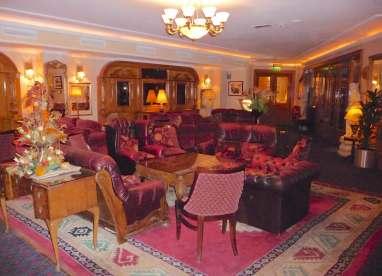 3.Park House Hotel