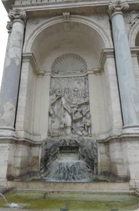 2.fontana dell'acqua felice
