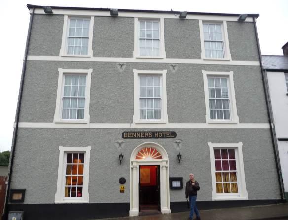 1.Benner's Hotel