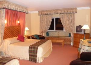 5.Benner's Hotel