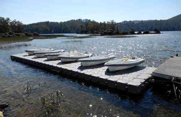 45.dinghies, lagoon