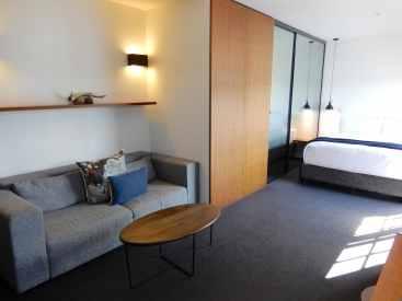 6.Room 7