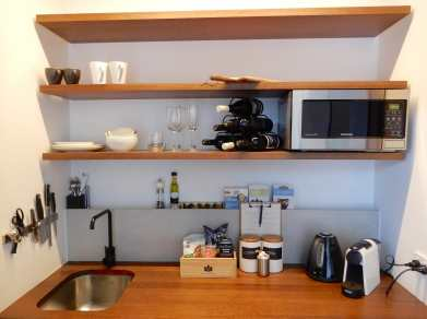 8.kitchenette