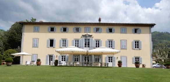 1.Villa Boccella