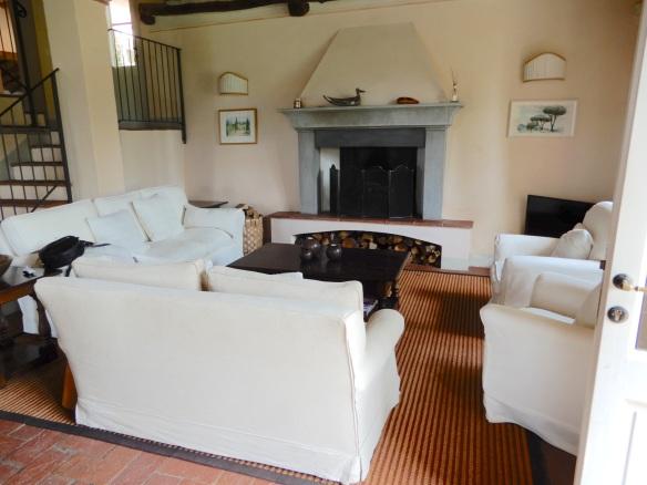 12.sitting room