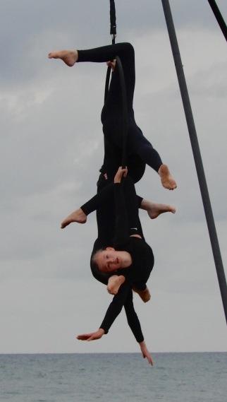 17.acrobats