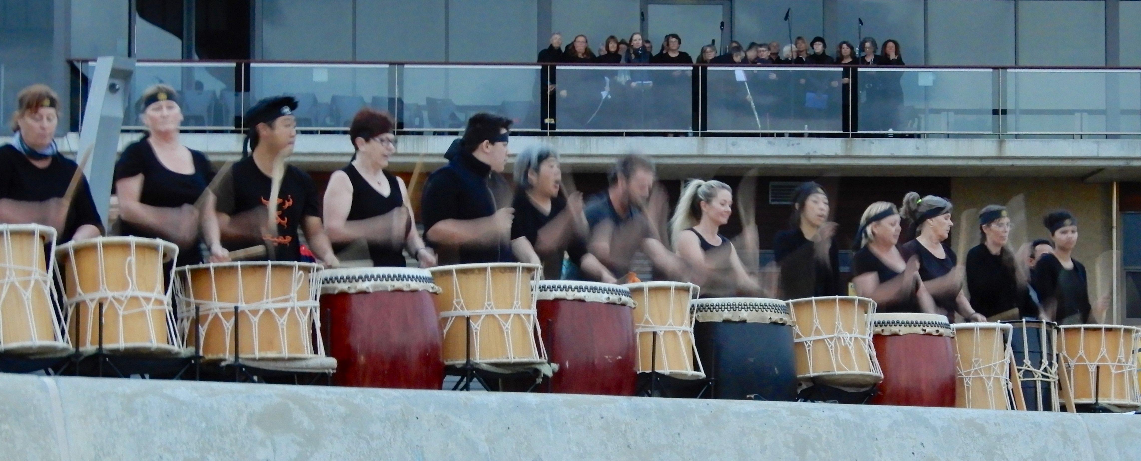 7.Taiko drums & choir