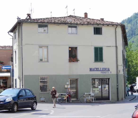 1.Macelleria Pierotti