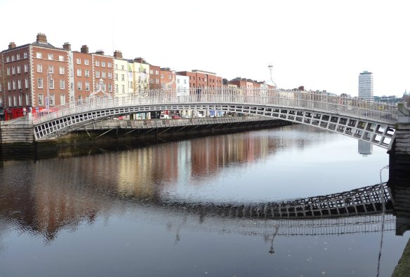 1.Ha'penny Bridge