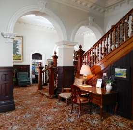 14.Empire Hotel lobby