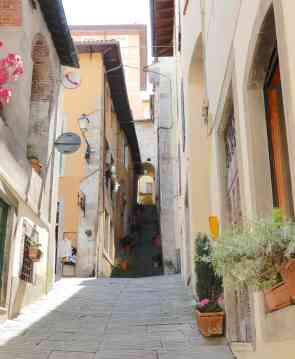 2.steep streets