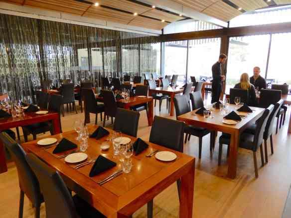 8.restaurant