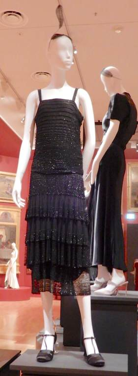 32.Chanel, evening dress 1922