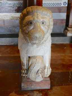 18.pulpit lion