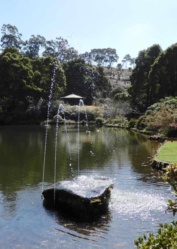 52.fountain, Lake Grebe