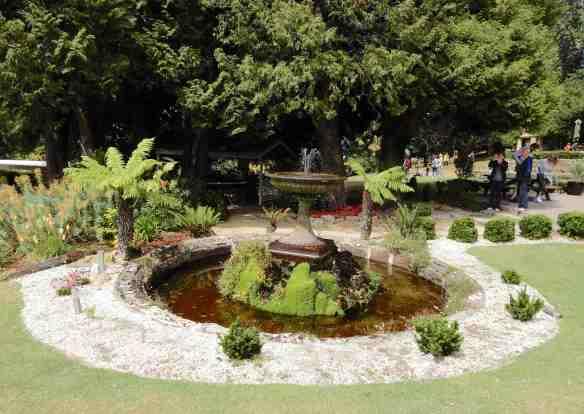 12.fountain