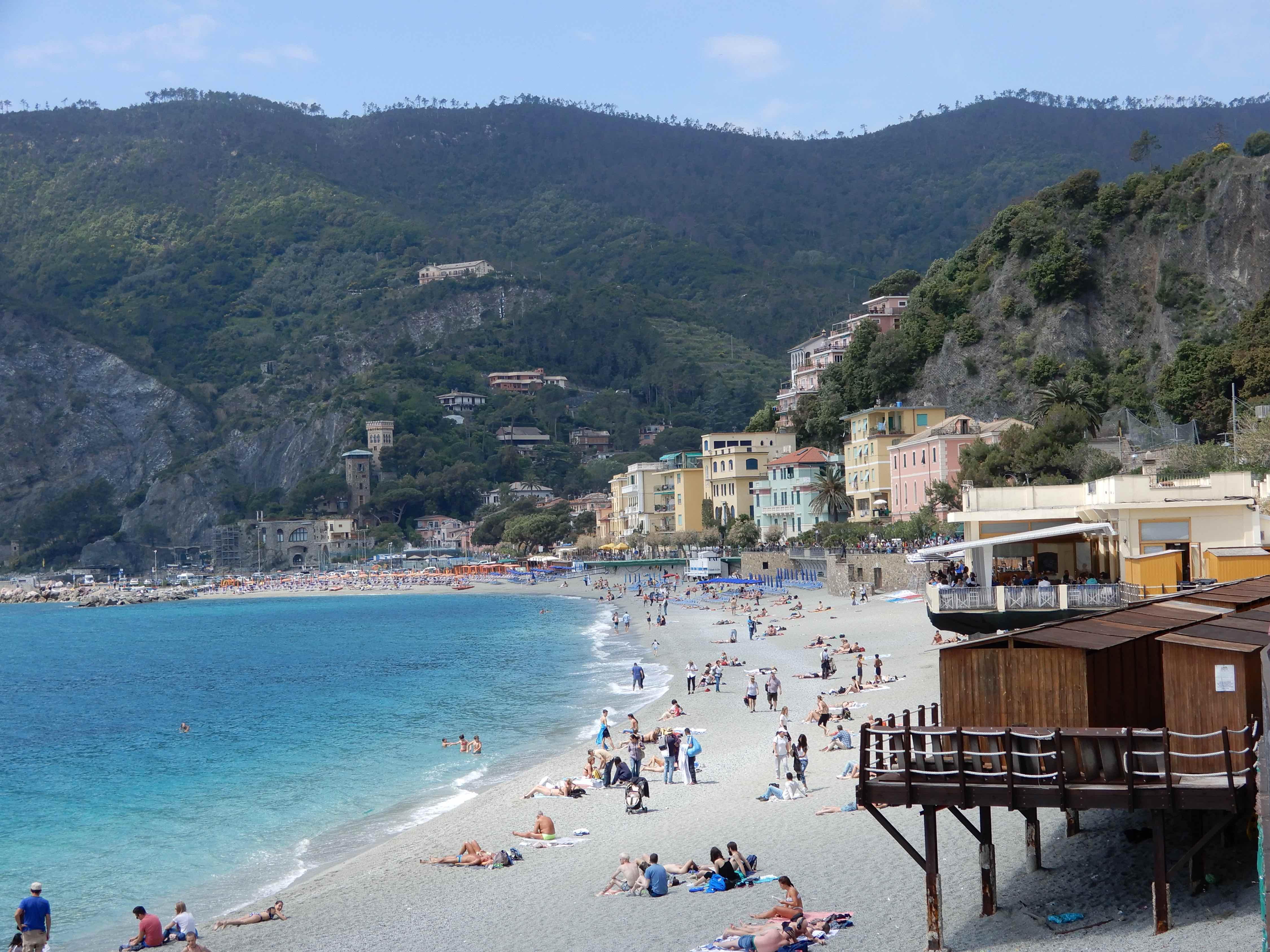 15.Fegina Beach