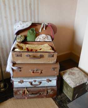 35.guest room