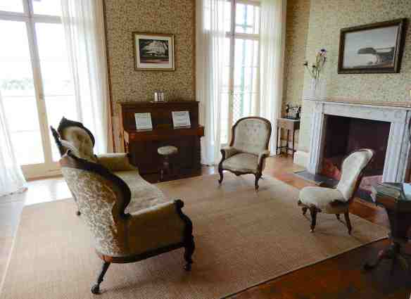 7.drawing room