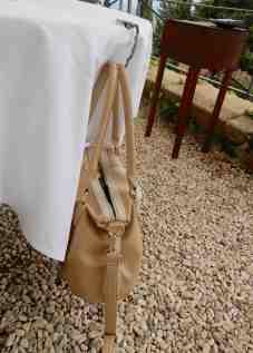 33.handbag hanger