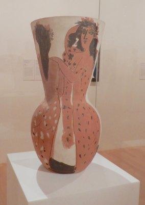 4.'Grand vase aux femmes voilées' 1950