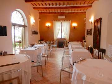 44.restaurant interior