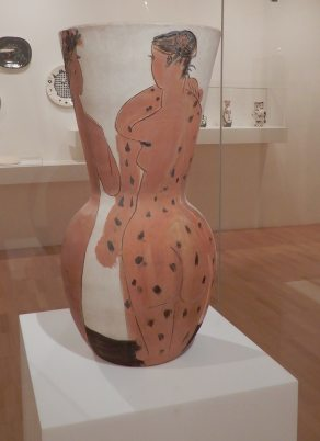 5.'Grand vase aux femmes voilées' 1950